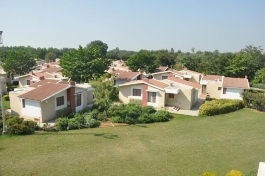 Neejanand Luxurious Resort and Spa Anand